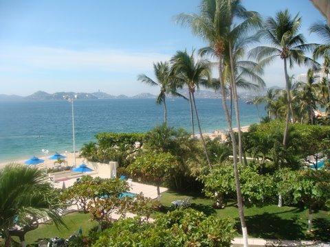Vue sur la baie d'Acapulco depuis le balcon