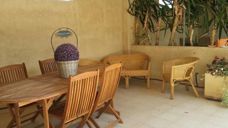 Appartamento Mirto 'Case fiorite', alquiler de vacaciones en Massama