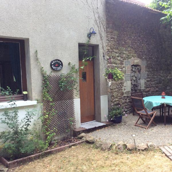 Cherry Cottage, holiday rental in Masleon