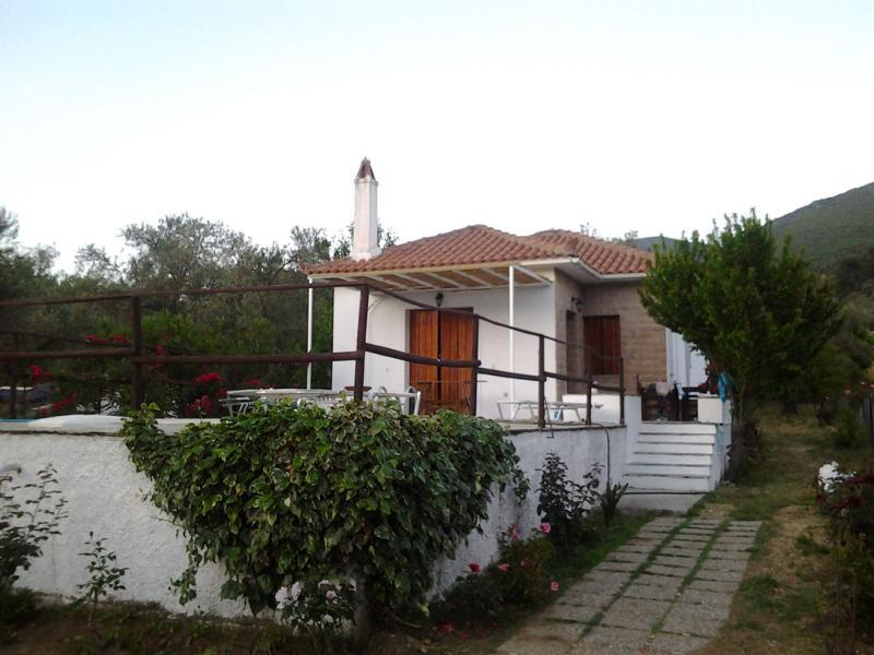 Skopelos villa Agravlis
