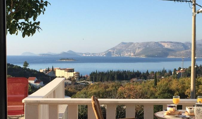 Stunning sea-view apartment II, vacation rental in Cavtat