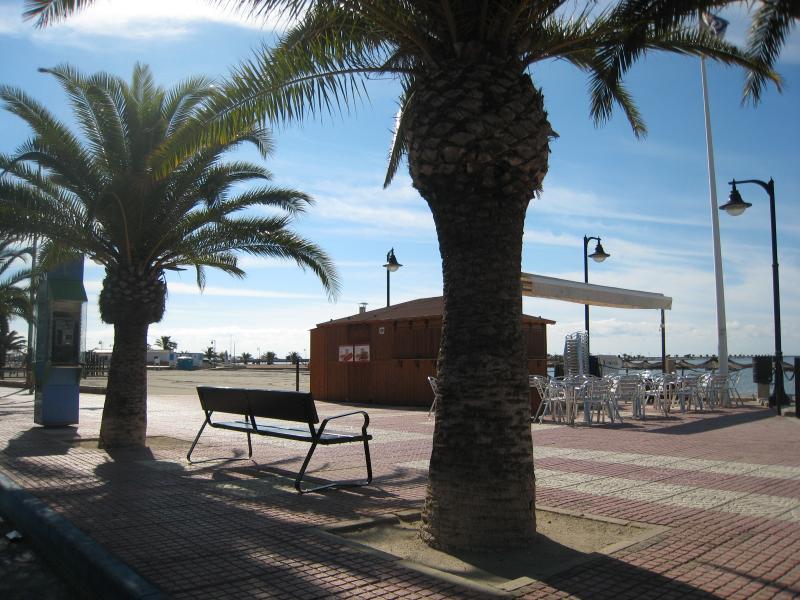 Des plages magnifiques et des cafés Beachside sont abondants!