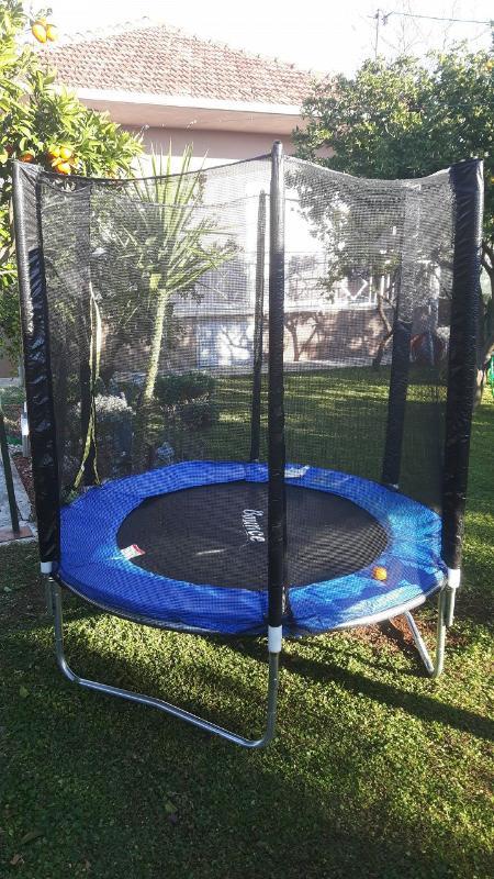 H(7): children playground