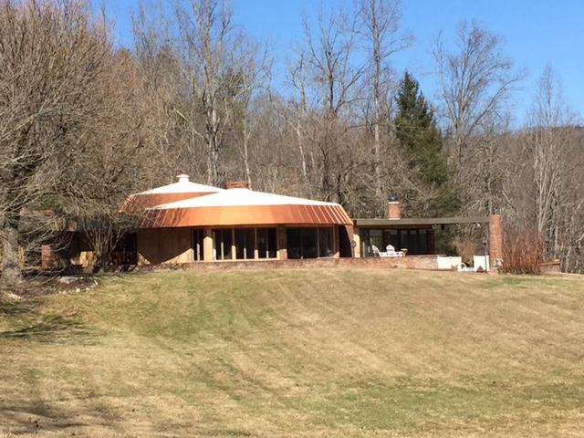 Beautiful private contemporary home near Cades Cove entrance to the Great Smoky Mt. National Park.