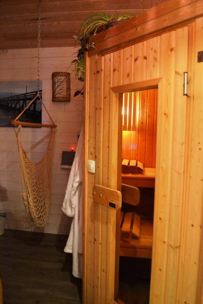 sauna traditionnel d'angle 4/5 places