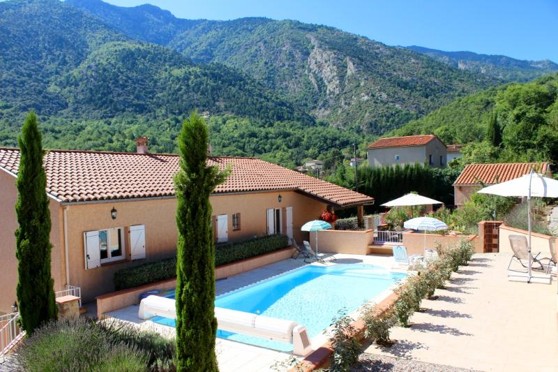 Stylish garden apartment in the foothills of the Pyrenees close to Mediterranean beaches
