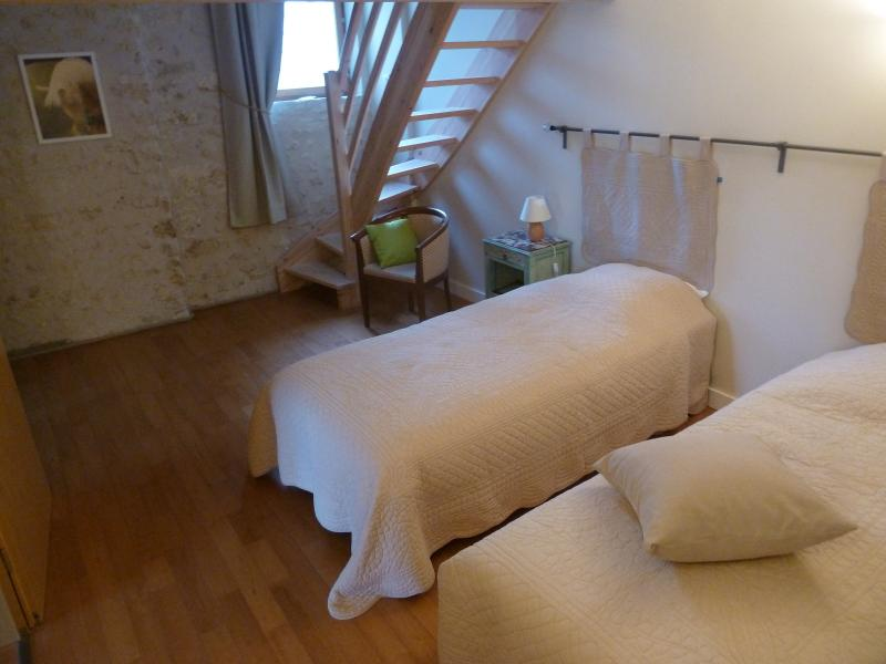 La Grange d'Oustaud, Suite Ustang, holiday rental in Saint-Andre-De-Cubzac