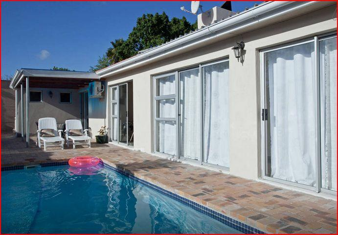 Lexcity Holiday Home, casa vacanza a Plattekloof