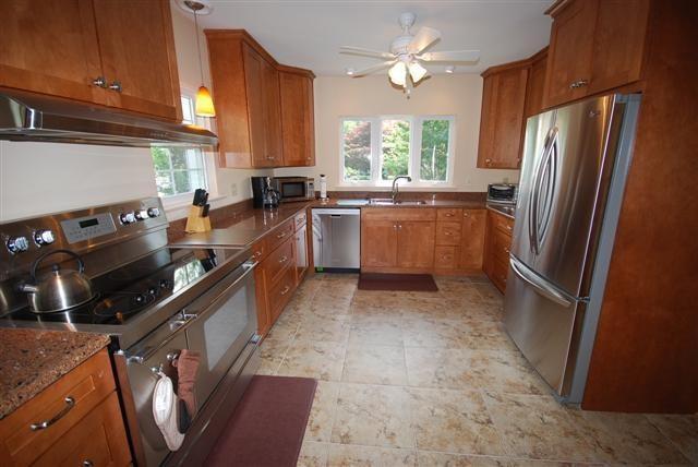 Kitchen - 409 Bayard Ave