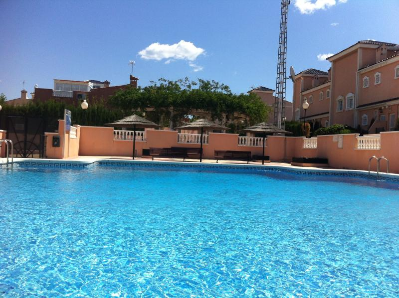 Casa Baxi - Puerto Marino Green Apartment, holiday rental in Gran Alacant