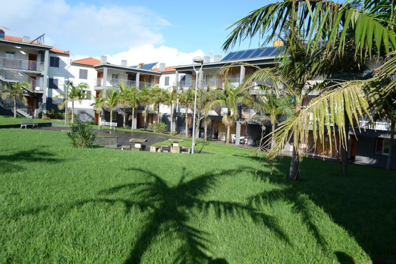 Quintas do Mar - Apartment T1 With Car, vacation rental in São Miguel