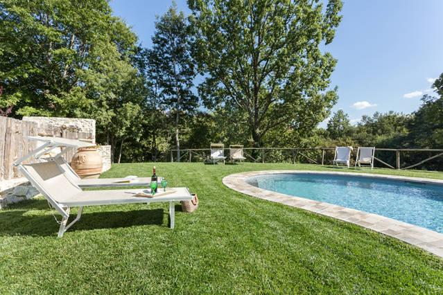 SPOLETO  SWIMMING POOL VILLA - montebibico, holiday rental in Spoleto