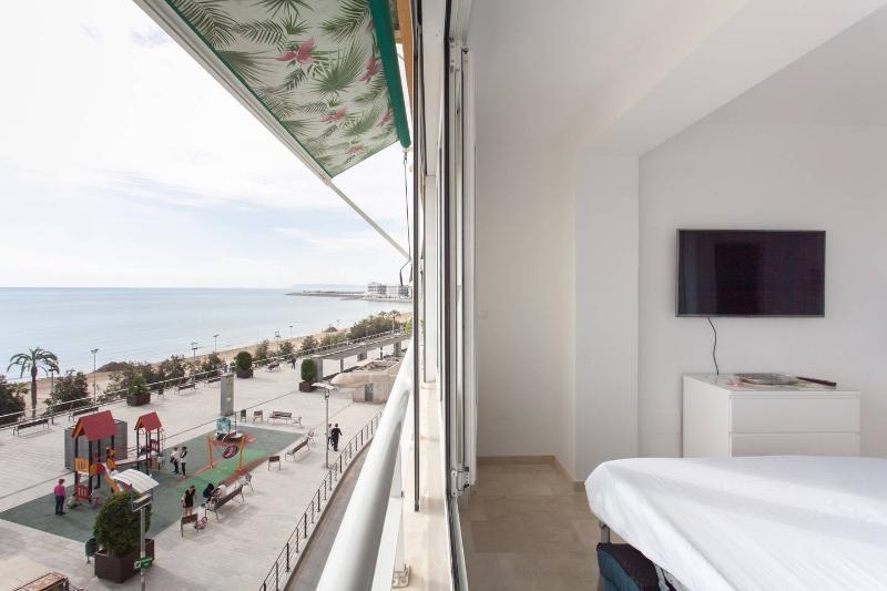 APARTAMENTO ESTUDIO PLAYA POSTIGUET, vacation rental in Tibi