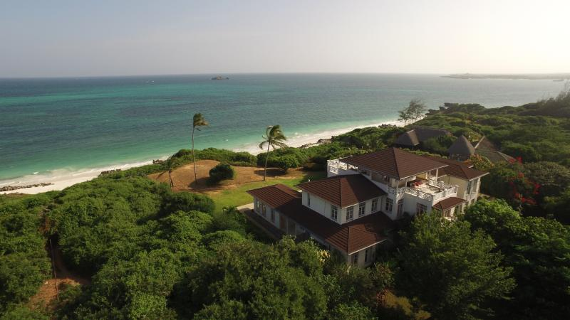 Heavenly House, Watamu. Beachfront