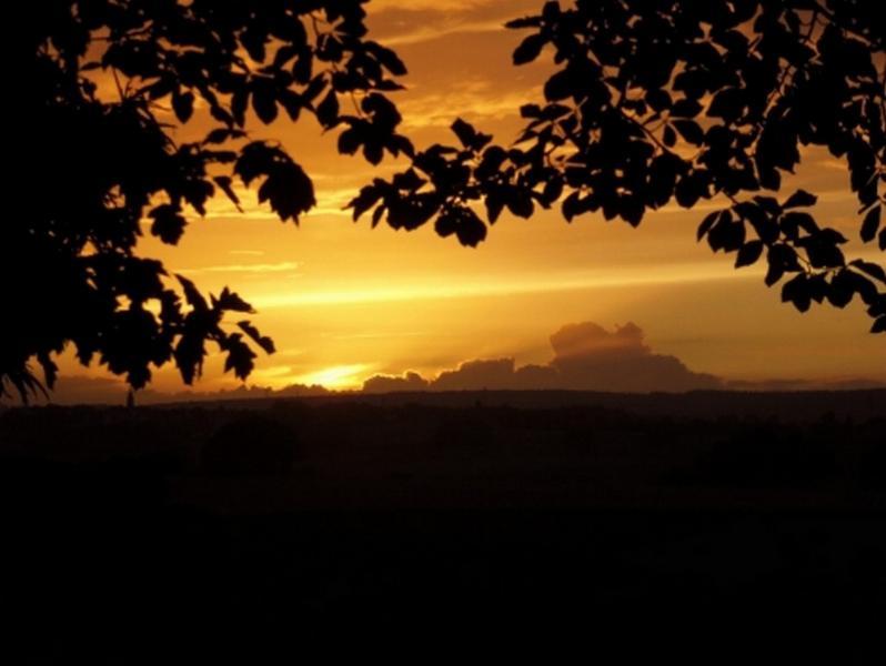 coucher de soleil vu du gîte