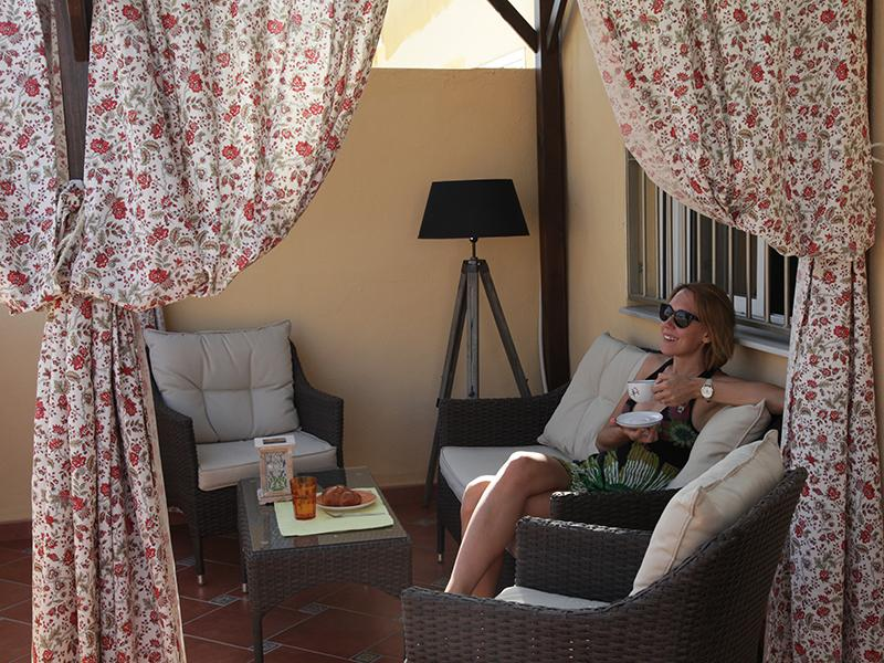 Cozy apartment with a gorgeous terrace, vacation rental in Torrevieja