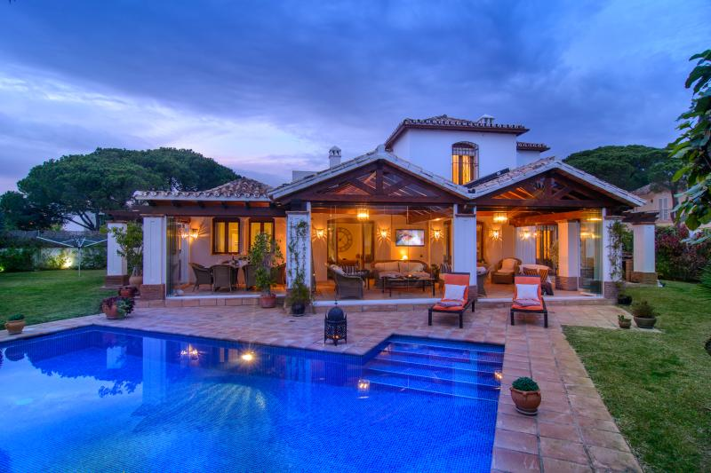 Four bedroom villa with pool and garden