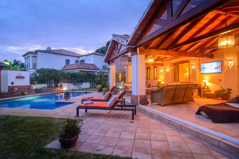 Homey atmosphere in the garden with pool and patio
