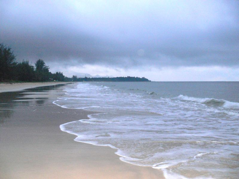 The gently sloping Kamala beach is tranquil for a morning or evening walk and swimming at any time.