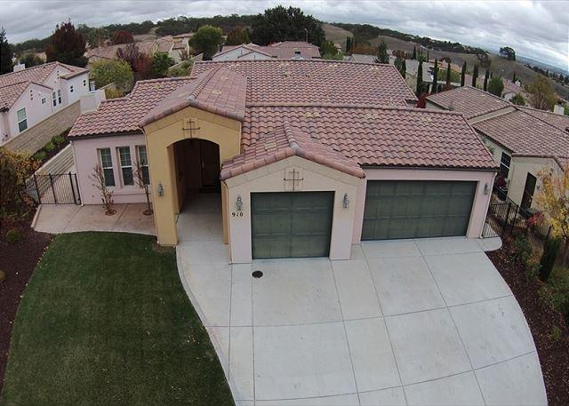 Serenity--Yours for the Asking in Paso Robles Wine Country, holiday rental in Paso Robles