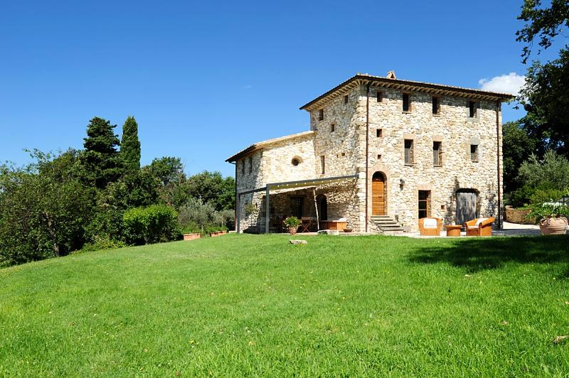Our historic stone Casale has been documented &rebuilt, giving foundations & anti-seismic measures.