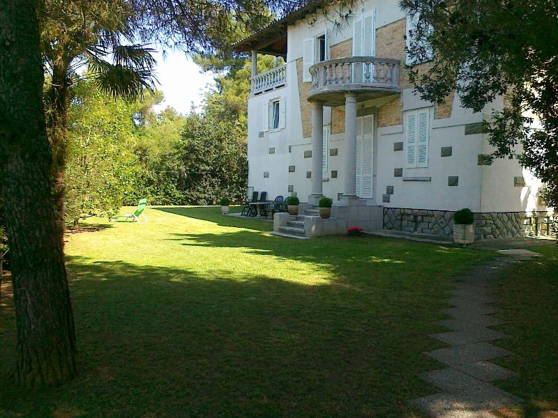 APARTMENT VILETTA MARIA - by the sea, vacation rental in Dragonja