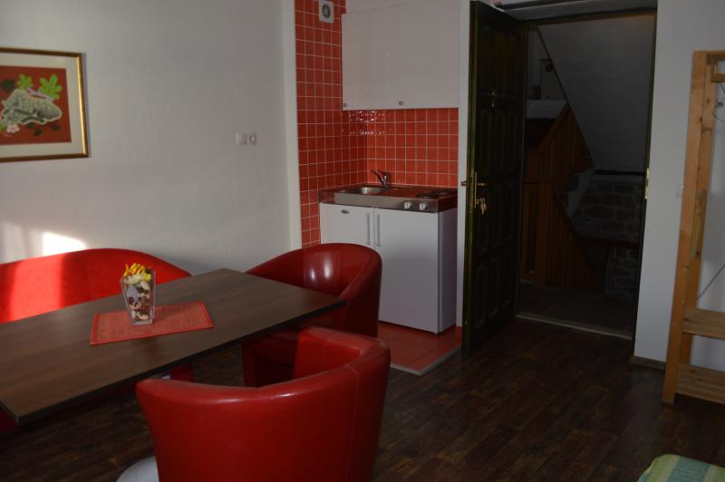 trapula apartment  2, vacation rental in Sibenik