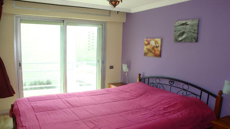 Chambre à coucher avec balcon (vue très dégagée sur Jardin sans vis-à-vis)