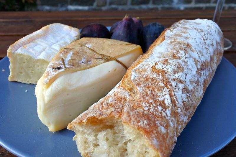 Fresh bread, local cheese and fresh figs.