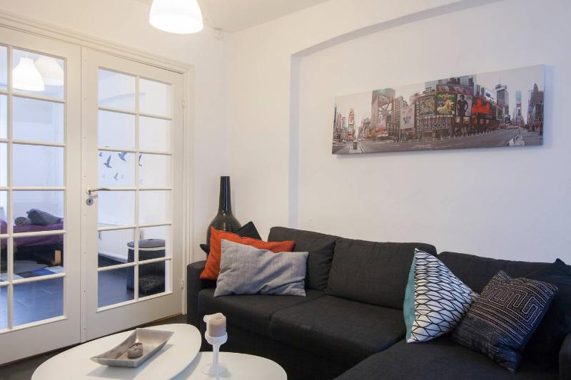 Modern Apartment - 800m to the Central Station, vacation rental in Copenhagen