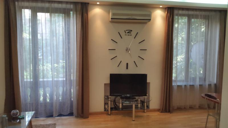 furnished apartment  american style, location de vacances à Parakar