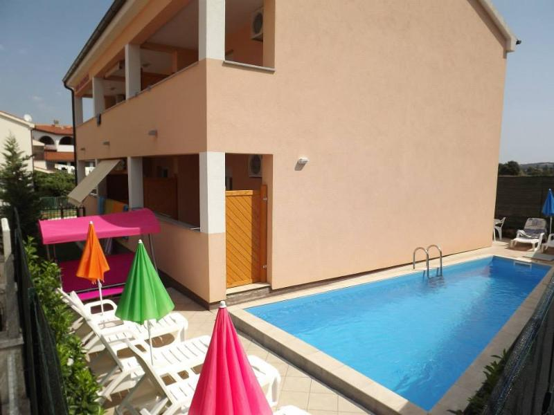 House for rent, alquiler vacacional en Stinjan
