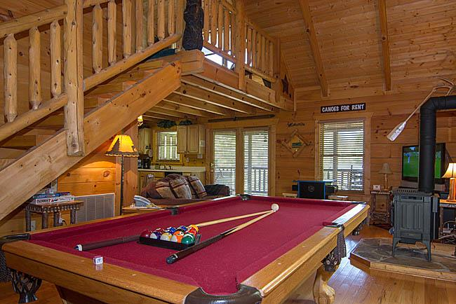 Country Dreams Log Cabin.Beautiful 1 BR Cabin, vacation rental in Gatlinburg