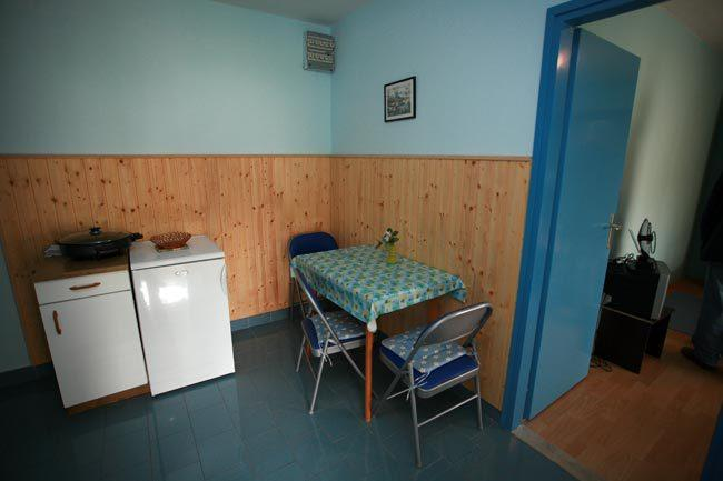 A1 PLAVI(2+1): dining room