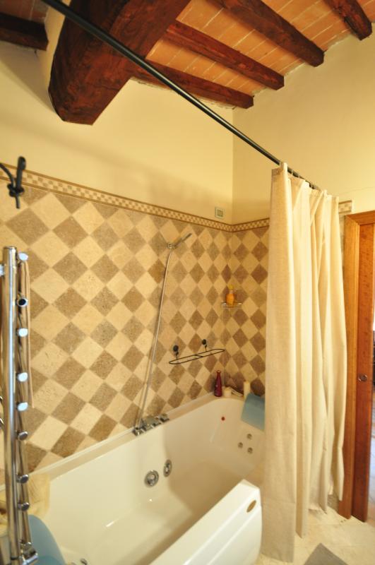 Upper floor ensuite bathroom with Jacuzzi for 2