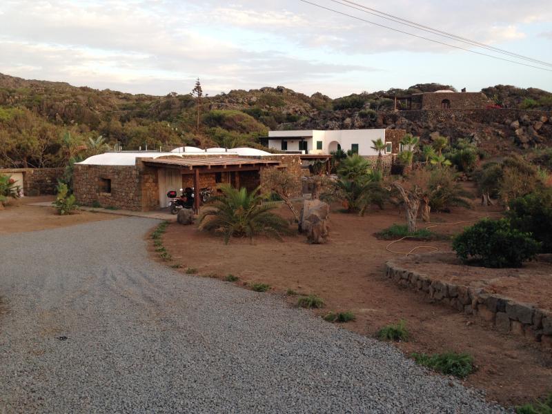 Dammuso Contrada Mursia con piscina privata, holiday rental in Scauri
