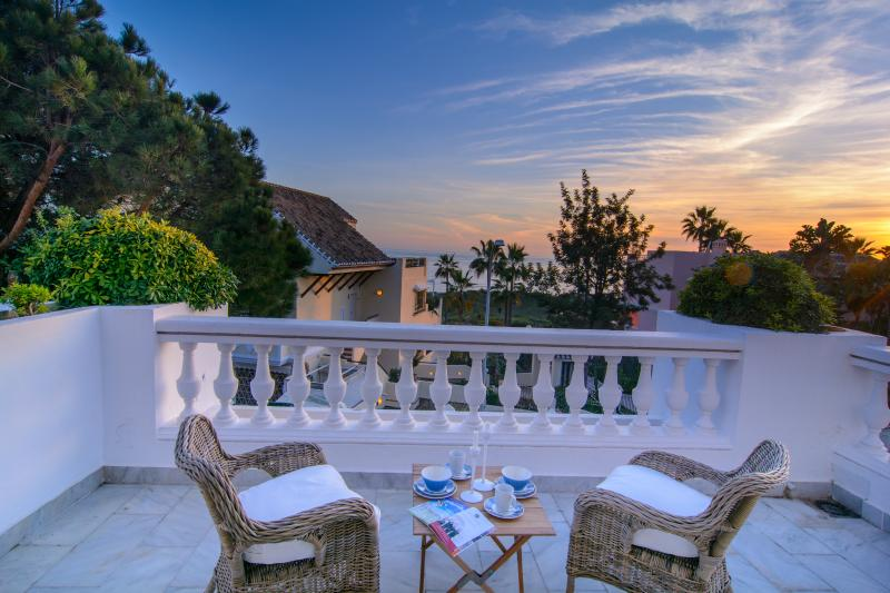 Terrace with splendid sea views at 50m from beach