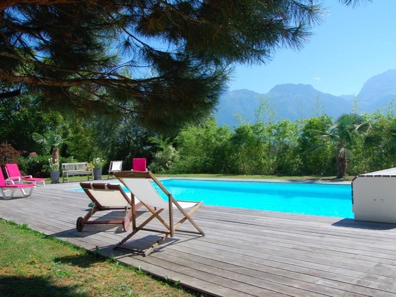 ST JORIOZ - Maison spacieuse avec PISCINE, location de vacances à Saint-Jorioz