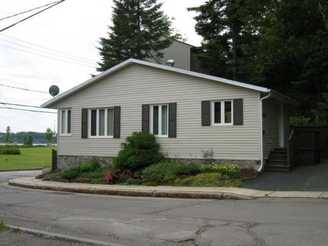 Maison en bordure du fleuve près du Vieux Québec., holiday rental in Scott