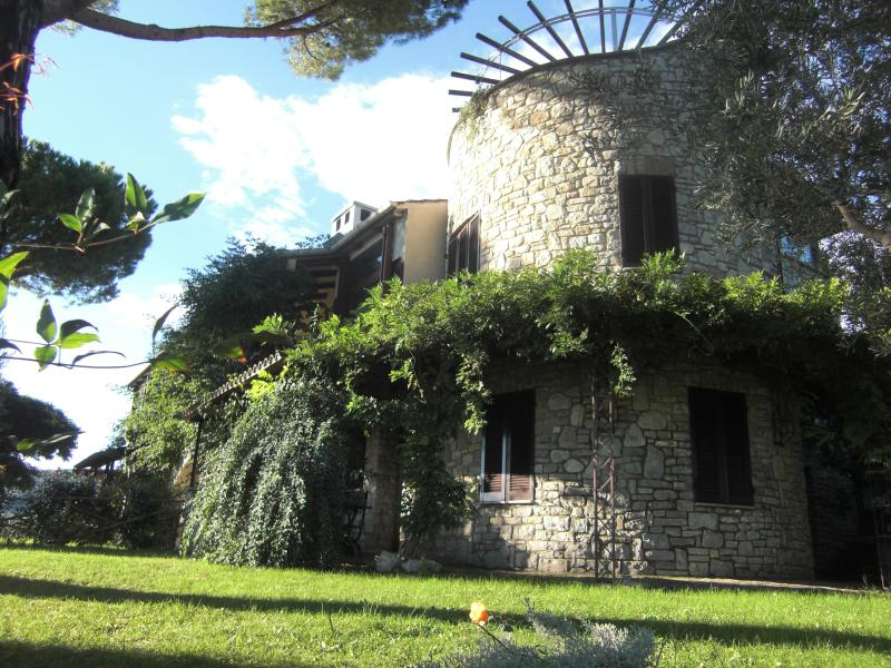 appartamento ATTICO, casa vacanza a Passignano Sul Trasimeno