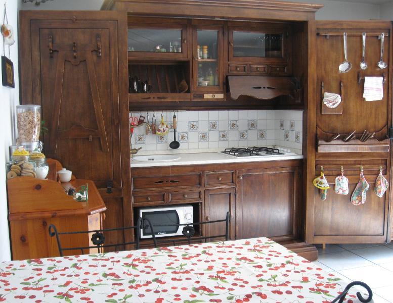 La cucina in legno massello