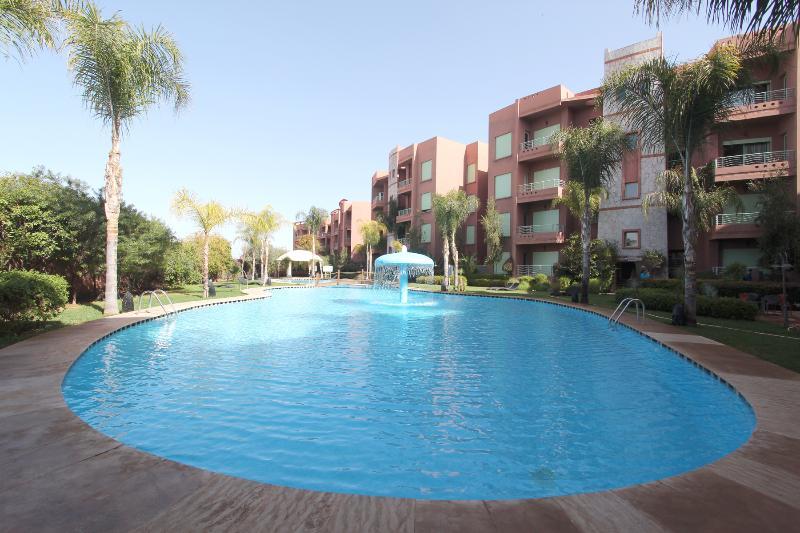 Appart tout confort Clim Piscine Jardin Wifi, holiday rental in Marrakech