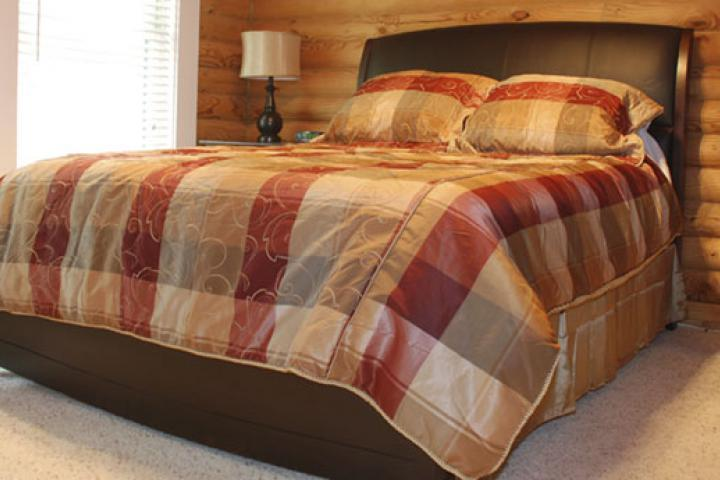 Come relax in guest bedroom #4 with queen bed and soft bedding.
