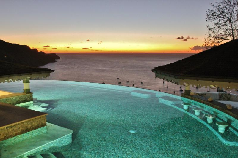 One of my favourite views. The Infinity Pool and a spectacular sunset
