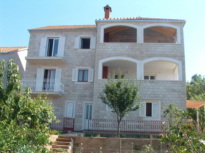 Silvana - economy apartments :  A2(2) - Supetar, vacation rental in Supetar