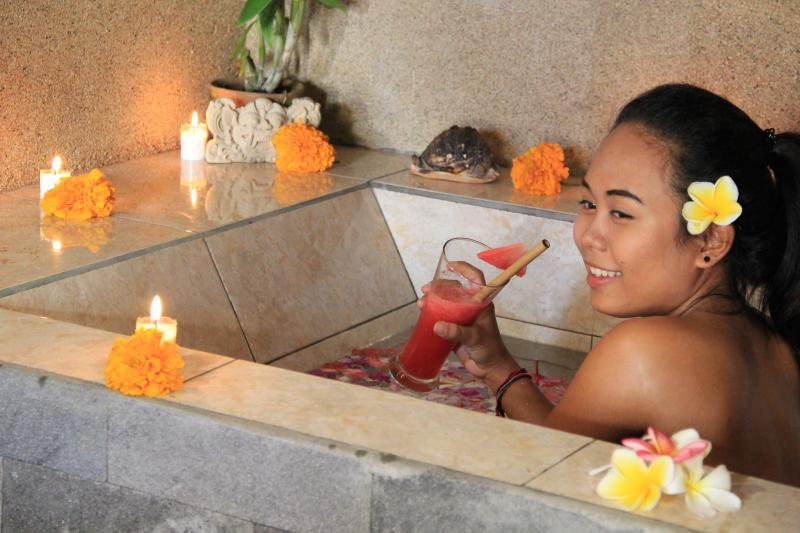 Spa Treatment  Yoga, Massage, honey moon Packages or sunburn treatment