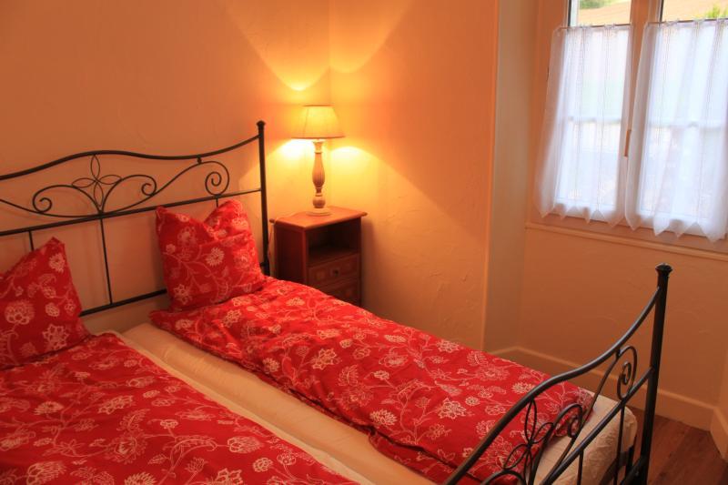 Cherry Suite @ Douceur de Vivre on Canal du Centre, holiday rental in Ecuisses