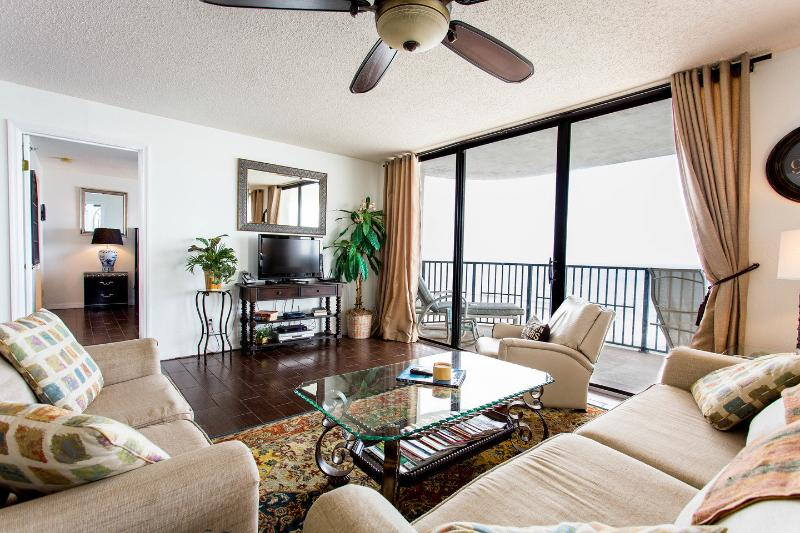 Living Room w CLEAR 180 degrees, ocean frontage!! (only half the windows shown here).