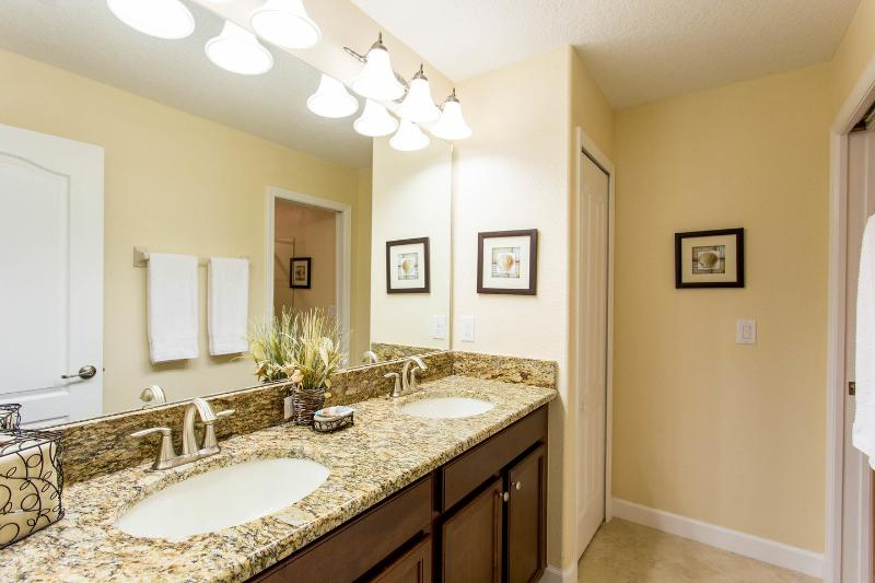 Ensuite Queen Bathroom Two