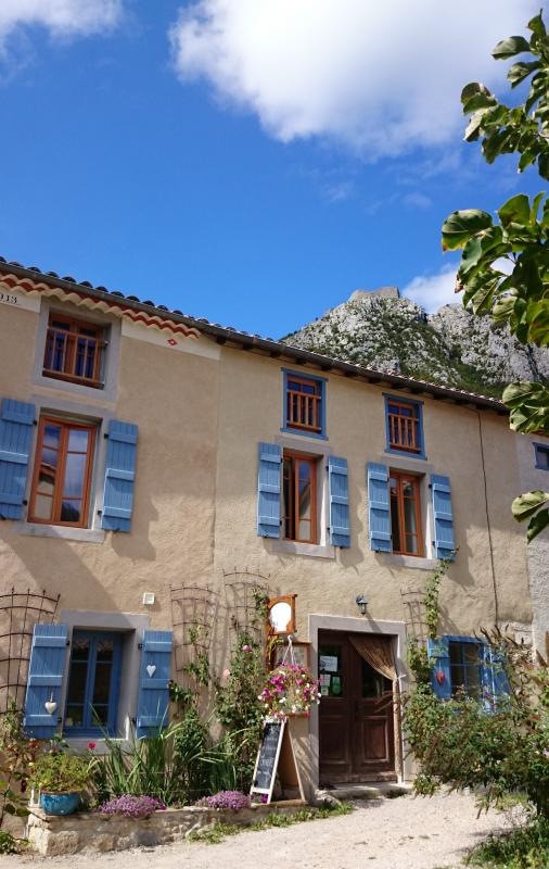 Our B&B is within walking distance from the castle of Montségur.
